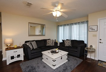 1040 E. Olive Rd 1-3 Beds Condo for Rent Photo Gallery 1