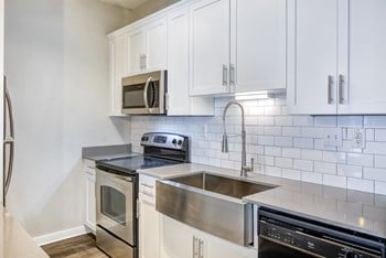 855 West Peachtree Street Northwest Studio-2 Beds Apartment for Rent Photo Gallery 1