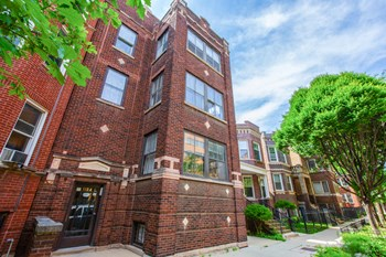 1104 N. Oakley Blvd. 2-3 Beds Apartment for Rent Photo Gallery 1
