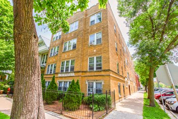 4449-55 N. Leavitt St. 1-2 Beds Apartment for Rent Photo Gallery 1
