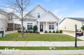 4598 Clubview Dr 3 Beds House for Rent Photo Gallery 1