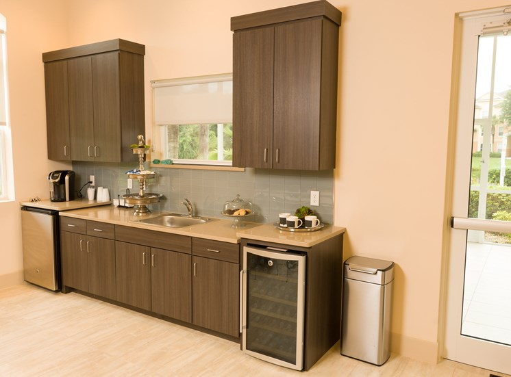Designer Granite Countertops at Tuscany Bay Apartments, Tampa, 33626
