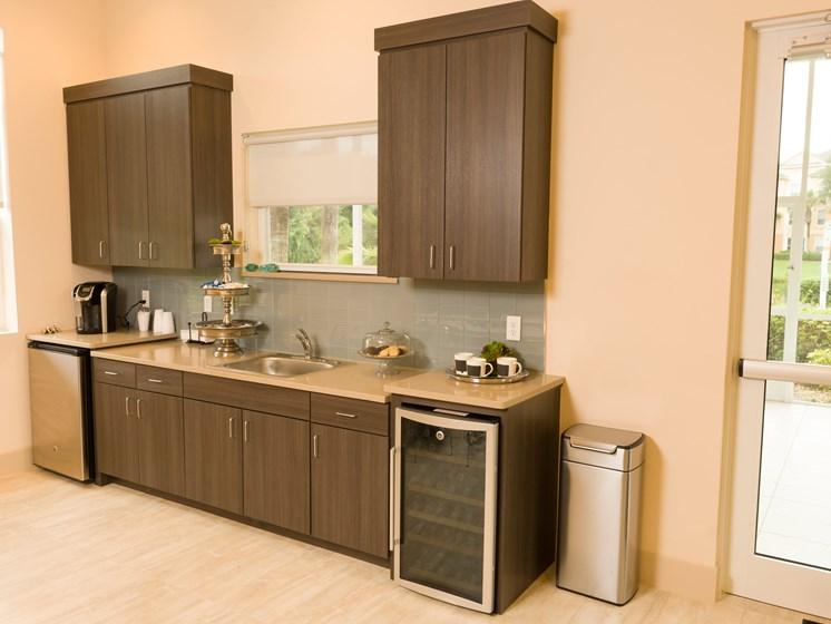 Designer Granite Countertops at Tuscany Bay Apartments, Tampa, 33626