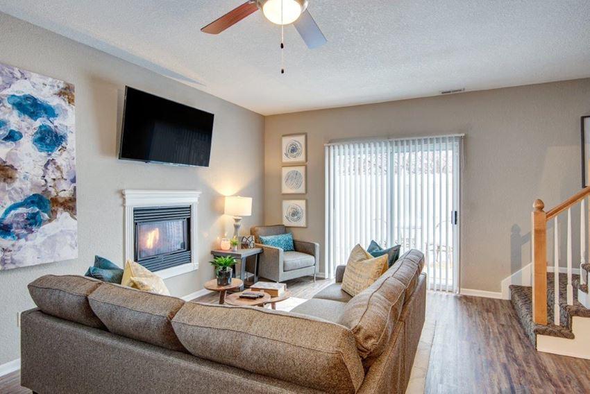 olathe town homes for rent pinecrest model family