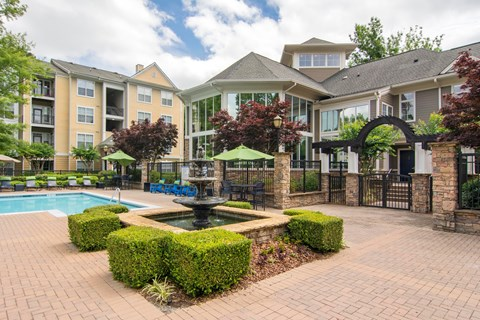 Creekside Crossing Swimming Pool and Spa
