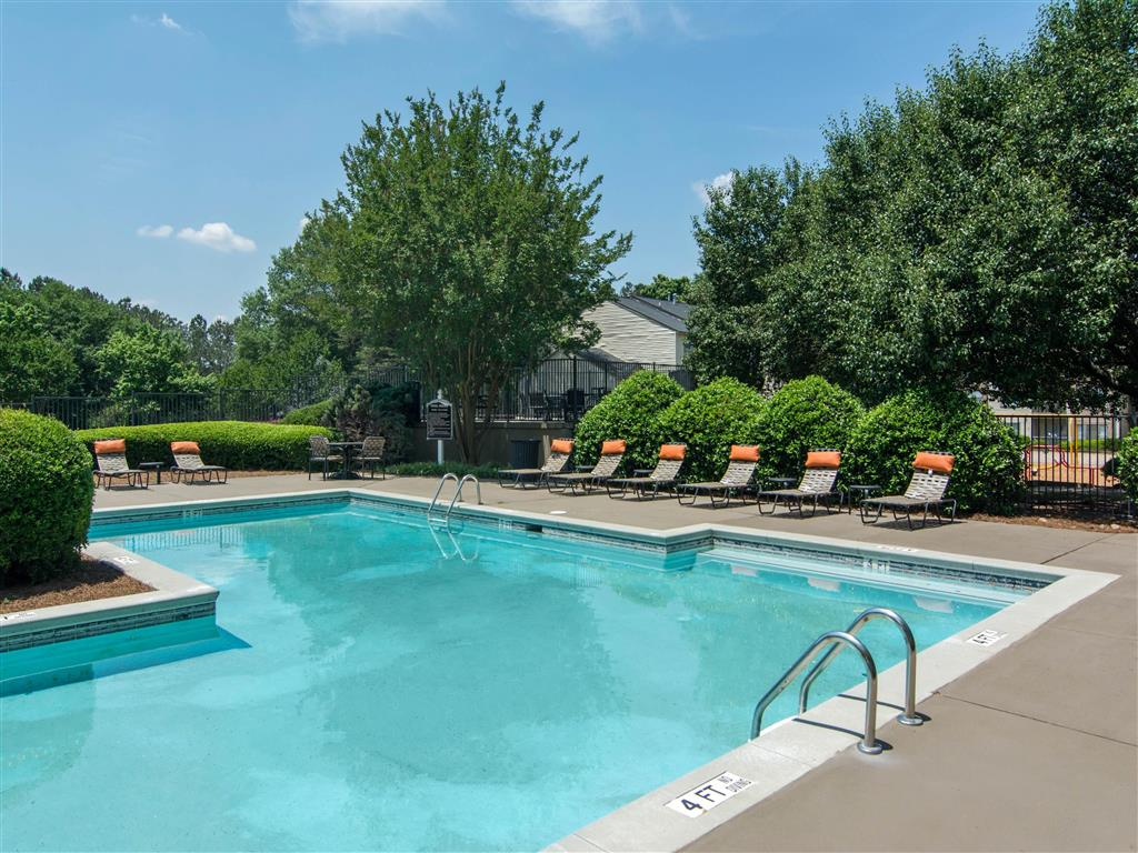 Swimming Pool | Landmark at Bella Vista Apartment Homes Duluth, GA