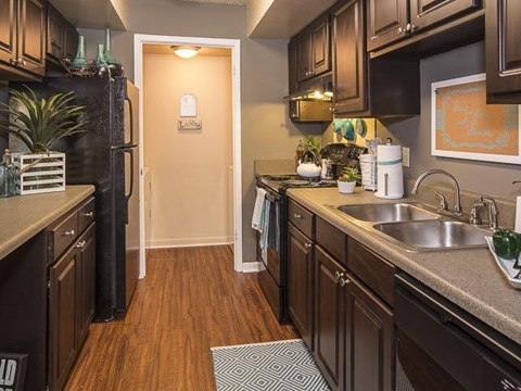 Kitchen | Landmark at Lyncrest Reserve Apartment Homes Nashville, TN