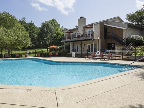 Resident Pool | Landmark at Lyncrest Reserve Apartment Homes Nashville, TN