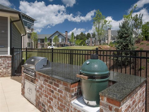 Park 9 Apartment Homes | Apartments for Rent in Woodstock, GA | Pool Grilling Station