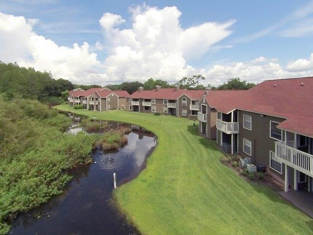 St. James Crossing   Apartments for Rent in Tampa, FL   Patios with Waterviews