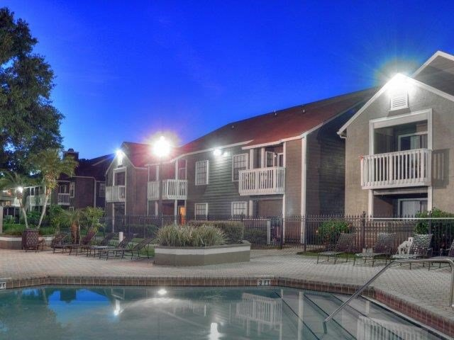 St. James Crossing   Apartments for Rent in Tampa, FL   Pool Views
