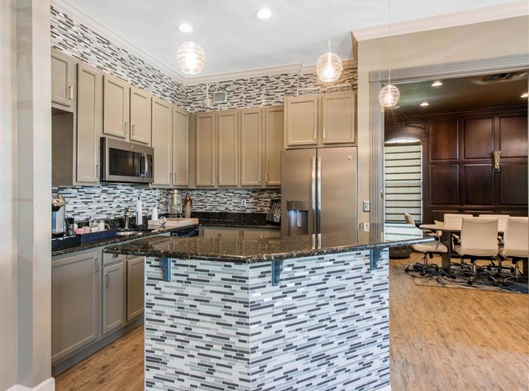 The Parkway at Hunters Creek | Apartments for Rent in Orlando, FL | Kitchen