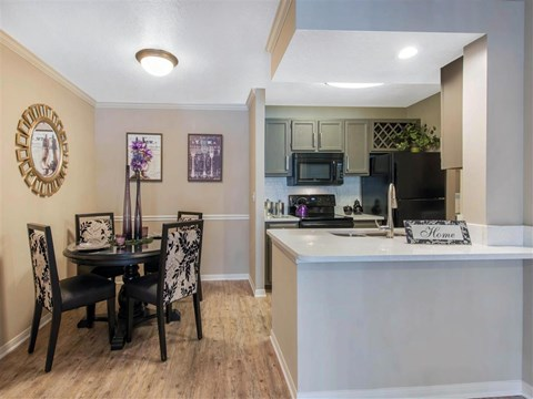 The Parkway at Hunters Creek | Apartments for Rent in Orlando, FL | Kitchen and Dining Room