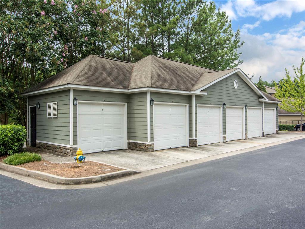 Detached Garages | The Retreat at Kedron Village Apartment Homes Peachtree City, GA