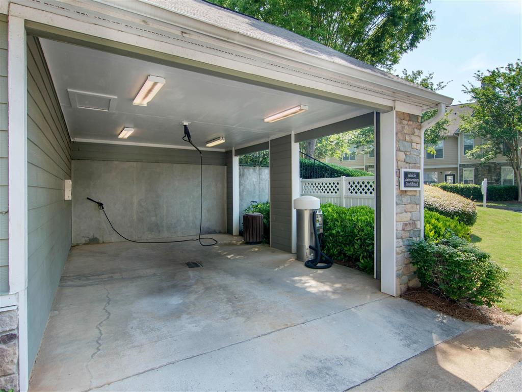 Car Wash Station | The Retreat at Kedron Village Apartment Homes Peachtree City, GA