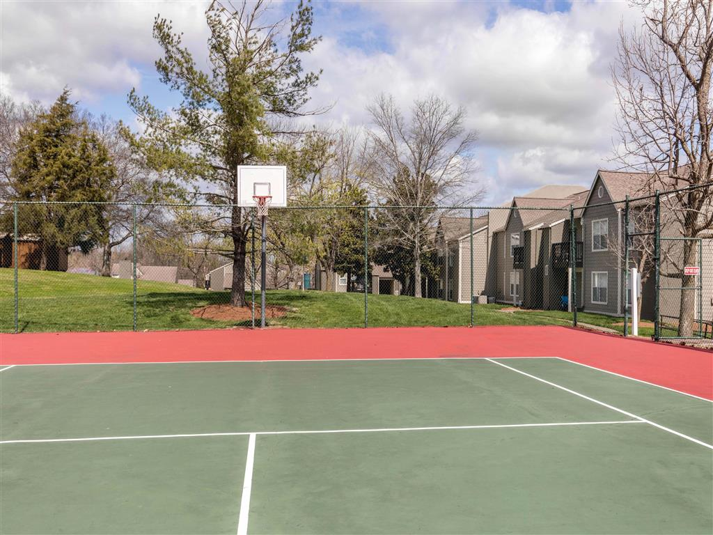 Windsor Park Apartments for Rent in Hendersonville, TN | Tennis Courts