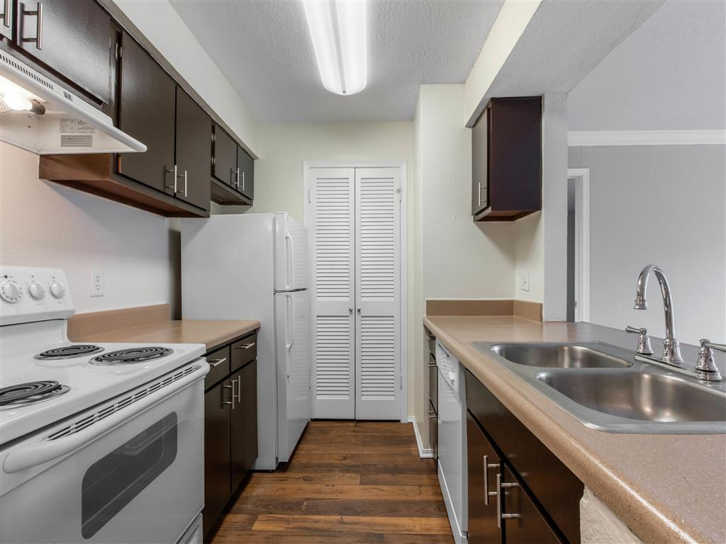 Windsor Park Apartments for Rent in Hendersonville, TN | Kitchen