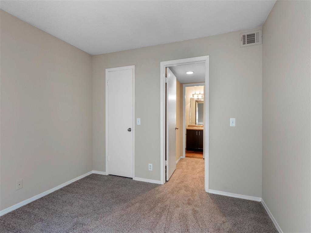 Windsor Park Apartments for Rent in Hendersonville, TN | Bedroom with En-Suite Bathroom