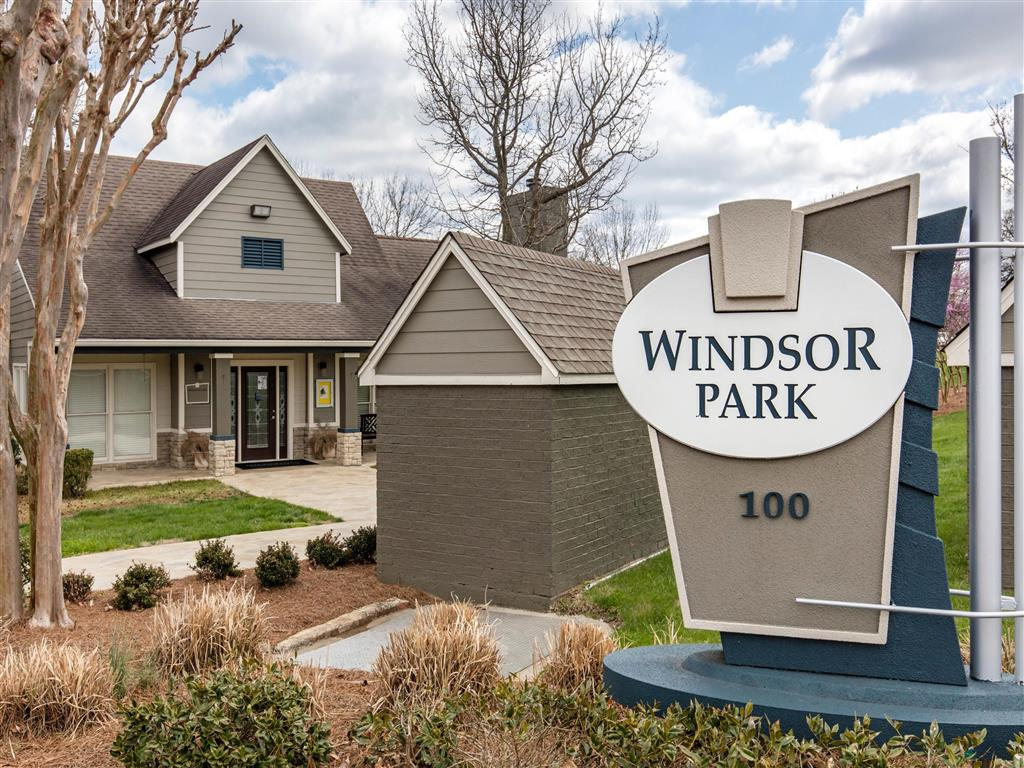 Windsor Park Apartments for Rent in Hendersonville, TN | Front Entrance Sign