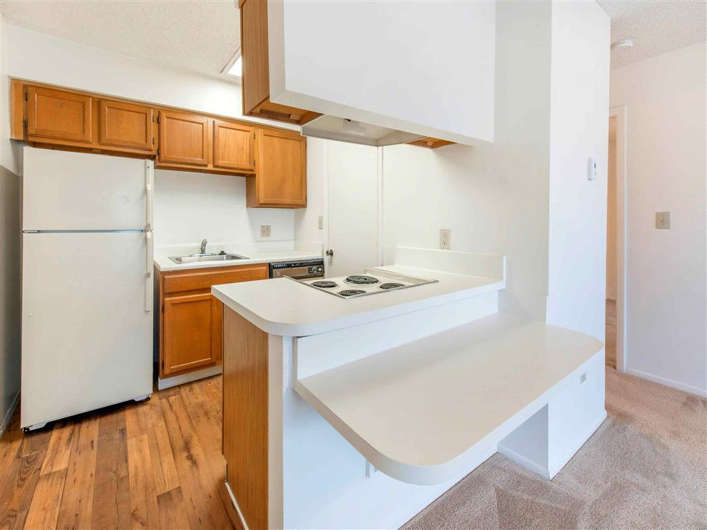 Saratoga | Apartments For Rent in Melbourne, FL | Kitchen