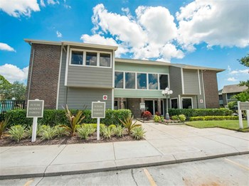 3595 Misty Oak Drive 1-2 Beds Apartment for Rent Photo Gallery 1
