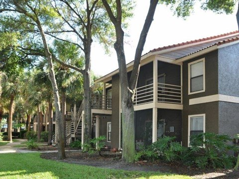 South Pointe | Apartments For Rent in Tampa, FL | Apartment Building Exteriors