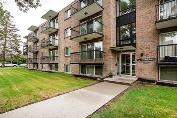 901- 4 Avenue NW, 1-2 Beds Apartment for Rent Photo Gallery 1
