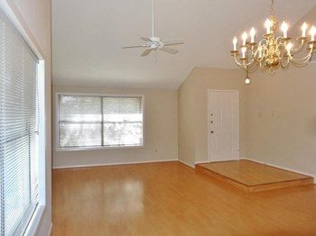 2315 Woodstream Blvd 3 Beds Apartment for Rent Photo Gallery 1