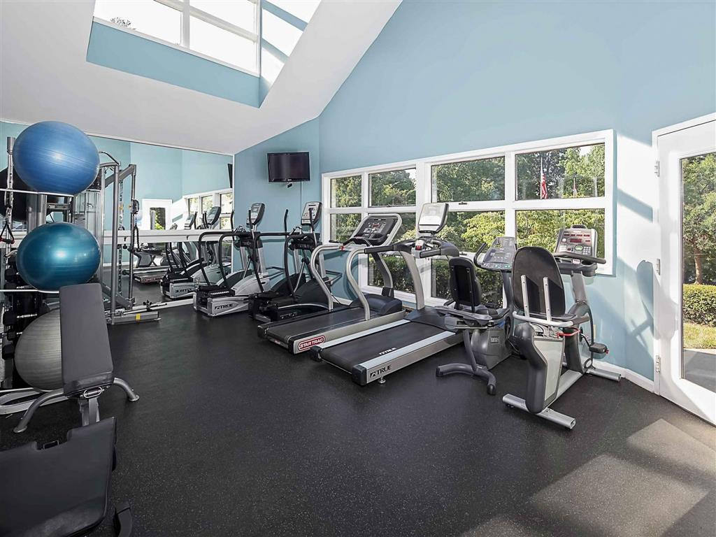 Fitness Center| Aston Woods | Apartments in Silver Spring, Maryland