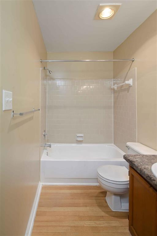 Bathroom| Aston Woods | Apartments in Silver Spring, Maryland