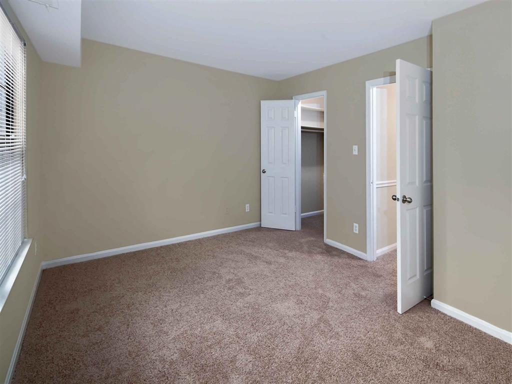 Bedroom| Aston Woods | Apartments in Silver Spring, Maryland