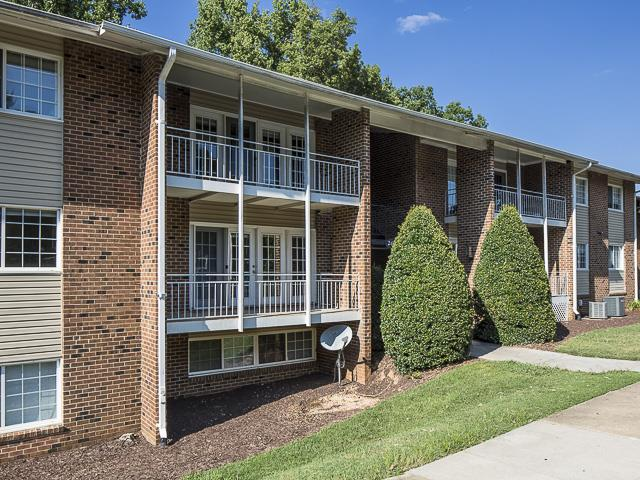 Private Patios | Grand Arbor Reserve Apartment Homes Raleigh, NC