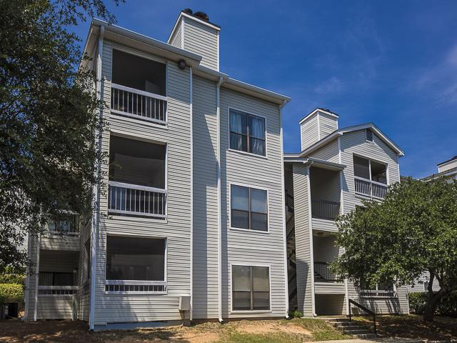Three Story Apartments | Landmark at Pine Court Apartment Homes Columbia, SC