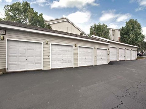 Garages | Landmark at Pine Court Apartment Homes Columbia, SC
