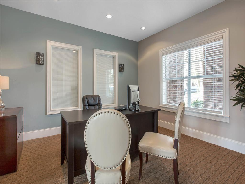 Leasing Office | The Grayson Apartment Homes Charlotte, NC