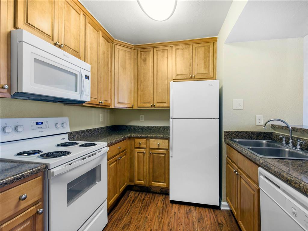 Hampton Point | Apartments For Rent in Silver Spring, MD | Kitchen