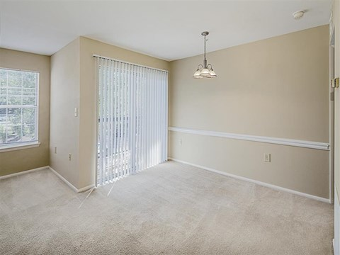 Saybrooke | Apartments For Rent in Gaithersburg, MD | Furnished Dining Room