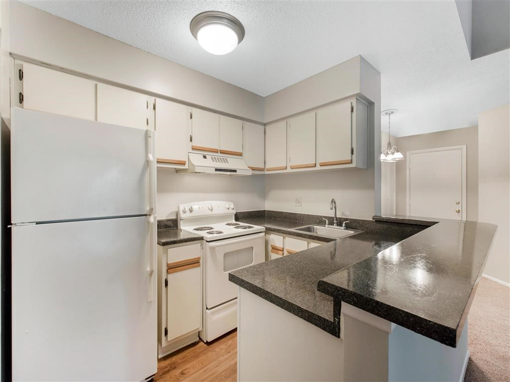 The Verandahs Apartments For Rent in Montgomery Village, MD   Kitchen