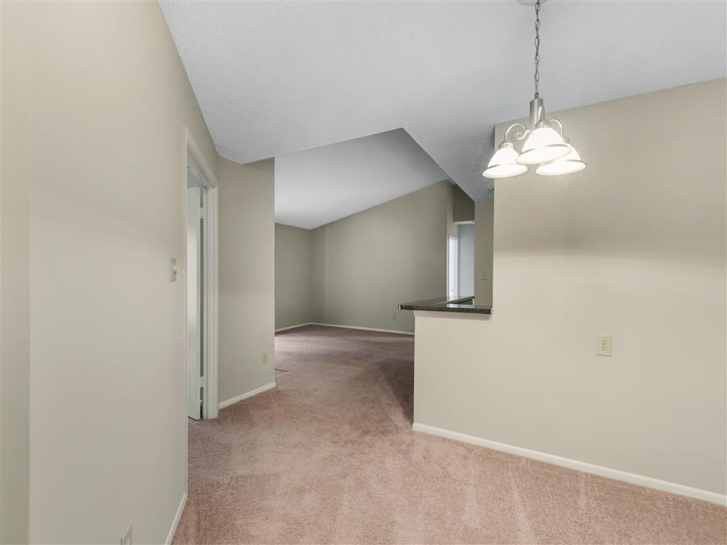 The Verandahs Apartments For Rent in Montgomery Village, MD   Living Room