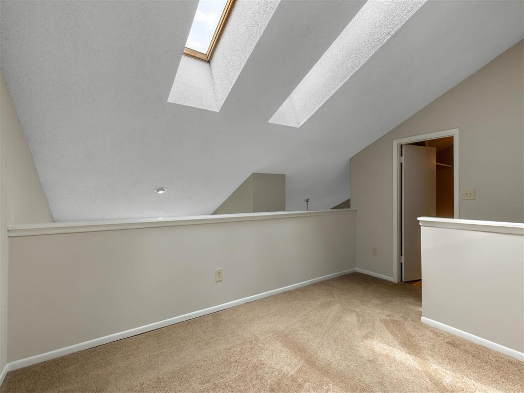 The Verandahs Apartments For Rent in Montgomery Village, MD   Open Loft Space