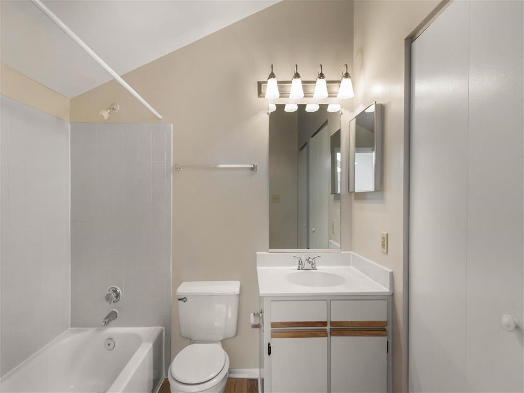 The Verandahs Apartments For Rent in Montgomery Village, MD   Bathroom