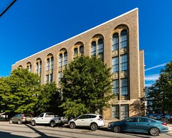 109 W Wildey Street Studio-2 Beds Apartment for Rent Photo Gallery 1