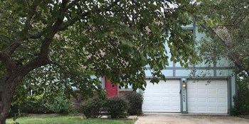 11635 Earnshaw St 5 Beds House for Rent Photo Gallery 1