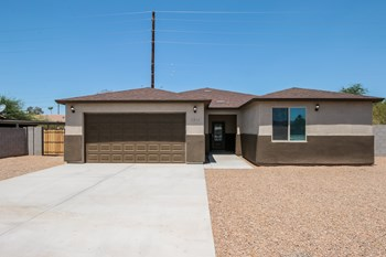 2310 E Wood St 4 Beds House for Rent Photo Gallery 1