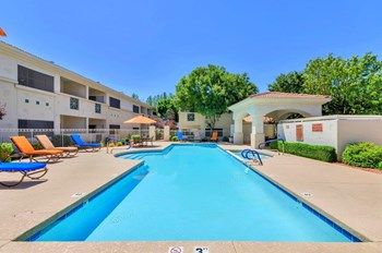 3501 E. Camelback Road 1-3 Beds Apartment for Rent Photo Gallery 1
