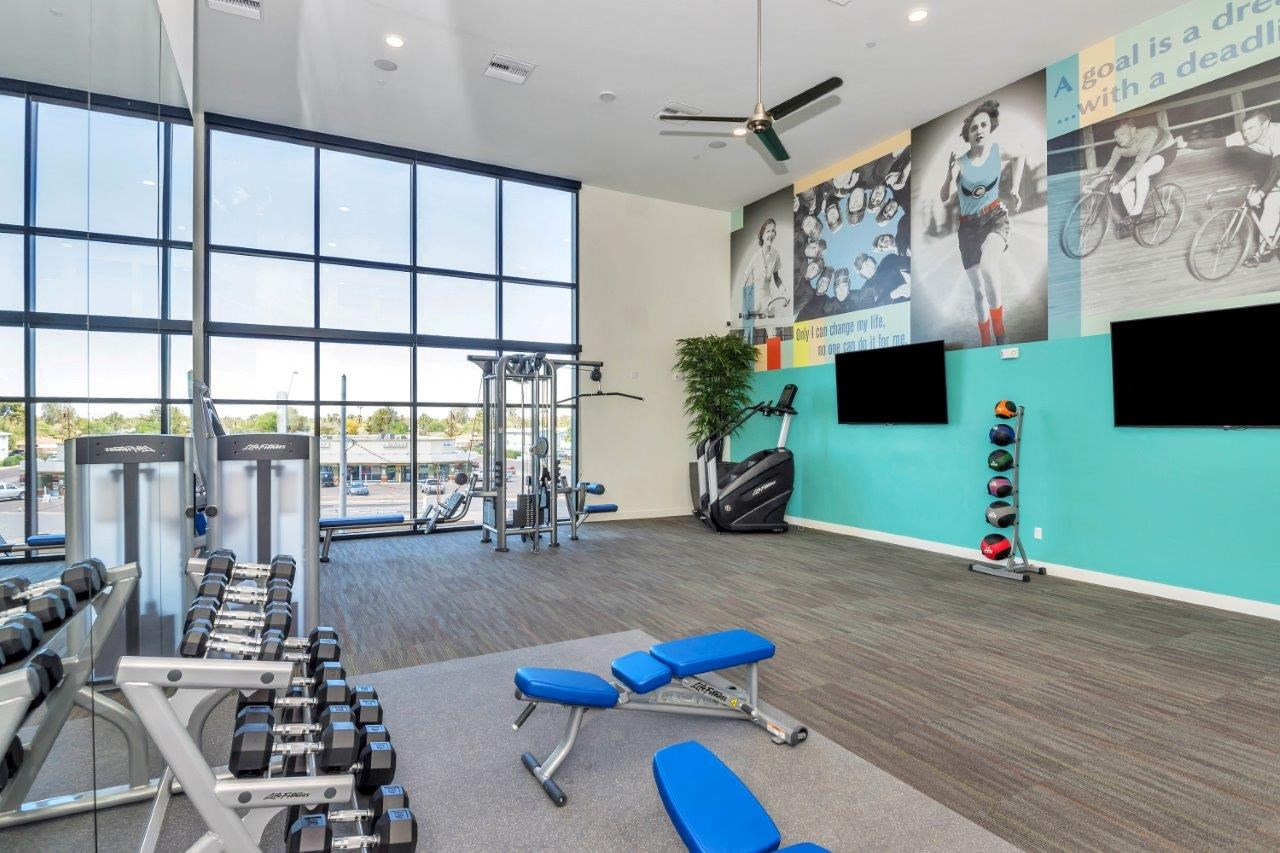 The Curve at Melrose apartments fitness center
