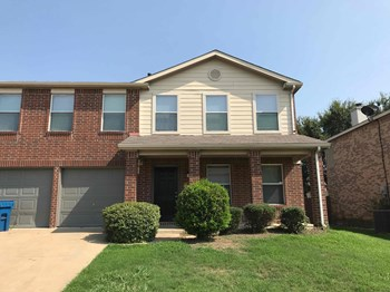 117 Pheasant Lane 4 Beds House for Rent Photo Gallery 1
