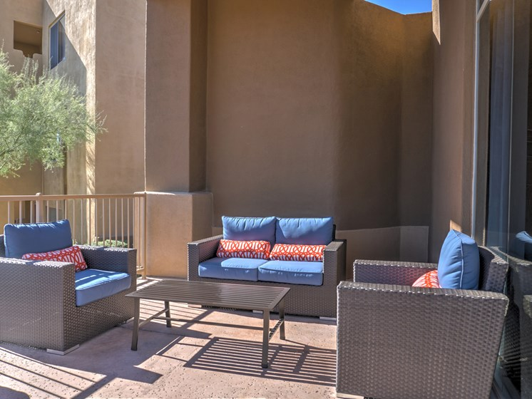 Community Outdoor Sitting Area at Ridge View Apartments in Fountain Hills, AZ