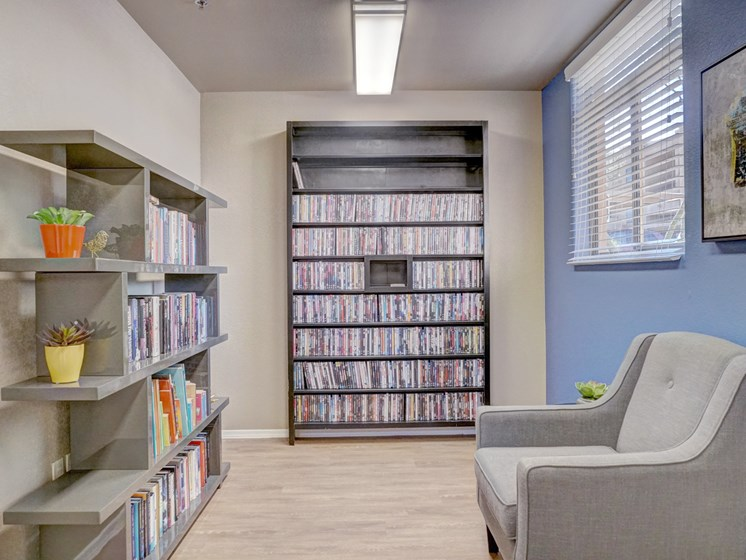 Community Library at Ridge View Apartments in Fountain Hills, AZ