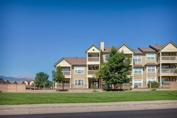 4275 Sanders View 1-3 Beds Apartment for Rent Photo Gallery 1